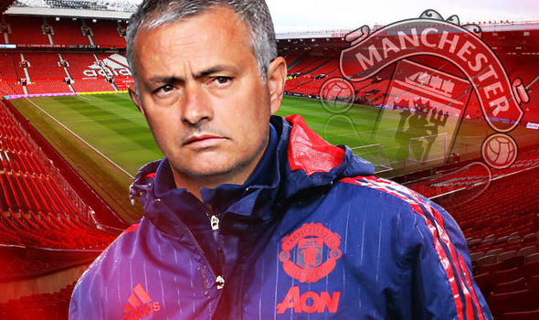 Jose Mourinho Explains Why Man United Started In A 4 4 2 Formation Against Leicester Old Trafford Faithful