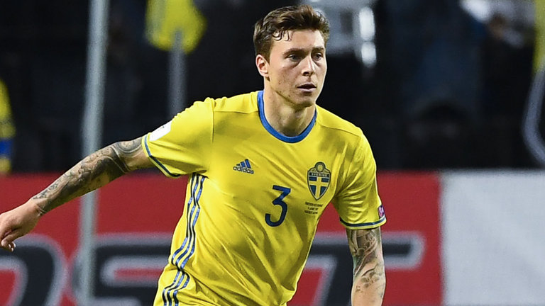Man united fans react to victor lindelof 39 s display against - Victor lindelof ...